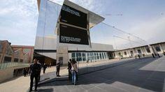 Sabato 9 maggio l'apertura. Entrare nello spazio di largo Isarco - 19mila metri quadri dello studiodi Rem Koolhaas - costa 10 euro. Nelle sale le
