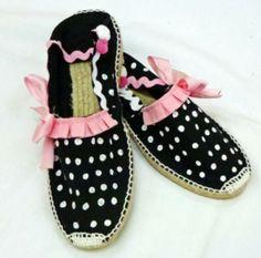 zapatillas de esparto  pintura textil,puntillas,lazos cosido a mano