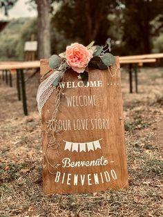 Location panneau de bienvenue en bois ! Deco, Location, Our Love, Welcome, Love Story, Sign, Birthday, Woodwind Instrument, Decor