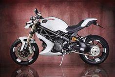 """Vilner apresenta uma Ducati 1100 Monster EVO """"tunada"""""""