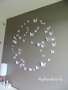 tuto composition papillons This is my first project on my wall,hope it when well before the butterfly fly off Diy Wall Art, Diy Art, Creation Deco, Home Deco, Decoration, Origami, Diy And Crafts, Projects To Try, Crafty