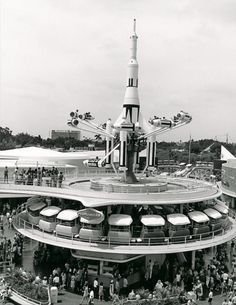 Early Tomorrowland... Wish my attractions still looked this way. Look how cute the PeopleMover trains are.