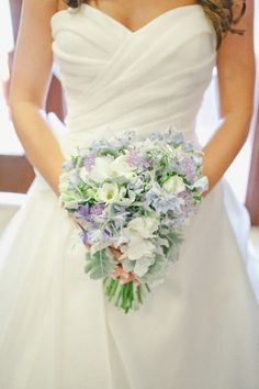 http://southernweddings.com/2012/07/12/classic-ballroom-wedding-by-caroline-joy/