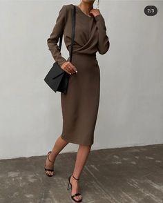 Minimal Fashion, Work Fashion, Fashion Looks, Fashion Rings, Fashion Cycle, Fashion Basics, Fashion Belts, Classy Outfits, Chic Outfits
