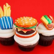 Fast Food Cupcakes!  www.sweetesbakeshop.com