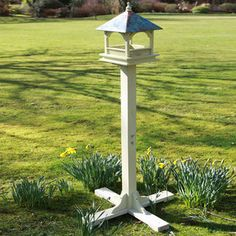 Bempton Bird Table Large, 135€, by Wildlife World !!