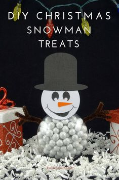 Filled with candy, these DIY Christmas Snowman treats are perfect for holiday parties, stocking stuffers, and even as place holders on your holiday table! Diy Snowman, Christmas Snowman, Christmas Treats, Diy Christmas, Christmas Party Centerpieces, Christmas Planning, Holiday Parties, Stocking Stuffers, Holiday Crafts