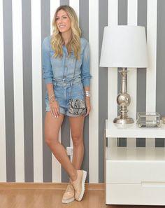 Dica de look jeans + tênis para curtir o final de semana com conforto e estilo. Se você procura uma dica de look sem salto, mas elegante, confira o post.
