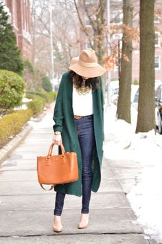 Maxi cardigan, floppy hat and nude pumps