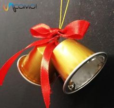 How to Make Christmas Bells With Nespresso Capsules Christmas Decorations For Kids, Easy Christmas Crafts, Christmas Bells, Xmas Ornaments, Christmas Art, Crafts For Seniors, Diy For Kids, Nespresso Pads, Nescafe