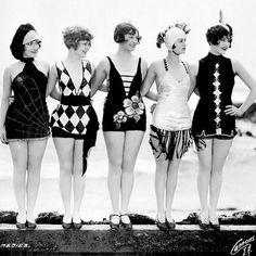 Vintage swimsuits                                                                                                                                                                                 Mais