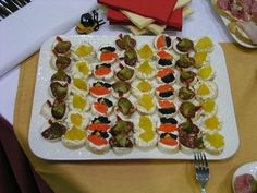 Recepty na jednohubky | JenŽeny.cz Appetizers, Cake, Desserts, New Years Eve, Tailgate Desserts, Deserts, Appetizer, Kuchen, Postres