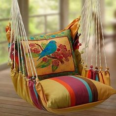 This would be so nice on the porch. I think I'd have to make a net for the pillow seat to sit in though, I don't know if I trust my knots.