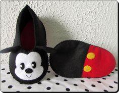 sapatinho de bebe Mickey