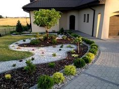 Who Knew Home Landscaping for Energy Conservation Had This Effect? Front House Landscaping, Stone Landscaping, Small Backyard Landscaping, Backyard Garden Design, Garden Landscape Design, Landscaping With Rocks, Back Gardens, Small Gardens, Outdoor Gardens