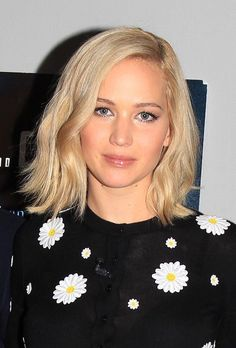 Photos of Jennifer Lawrence along with Bradley and David O Russell at the 'Joy' SAG Event today! 28.11.15