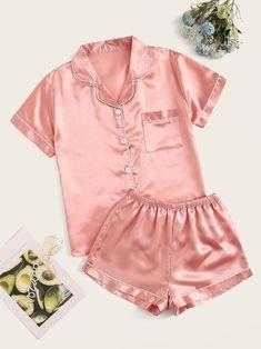 Conjunto de pijama de satén unido en contraste | Moda de Mujer | SHEIN México Satin Pyjama Set, Satin Pajamas, Pyjamas, Pajama Set, Pjs, Plus Size Pajamas, Cute Pajamas, Pajama Outfits, Pajama Shorts