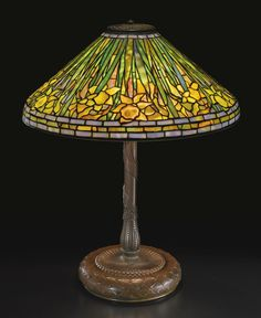 "TIFFANY STUDIOS ""DAFFODIL"" TABLE LAMP CA 1905"
