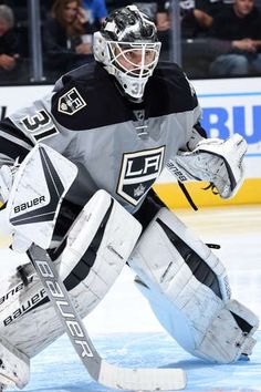 84c491e3ba7acbc781f4fde4399c3d0a--goalie-gear-kings-hockey.jpg (359×540)