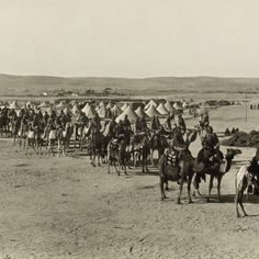 The Ottoman Camel Corps in World War I 1915 on their way to attack the Suez Canal. The offensive against the British-controlled Suez canal failed. This allowed the British to continue their trade with their Asian colonies most notably India. Palestine, World War One, First World, World History Facts, History Quotes, Empire Ottoman, Portugal, Long Shadow, Luxembourg