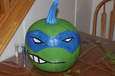 Dominic painting his Ninja turtle pumpkin at Grandma's. Halloween Pumpkins, Halloween Crafts, Holiday Crafts, Holiday Fun, Halloween Decorations, Halloween Ideas, Couple Halloween, Ninja Turtle Pumpkin, Ninja Turtle Party