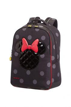 Ihastuttava, tilava ja tyylikäs Minnie Mouse -reppu, jossa vaikuttavat Minnin muotoiset tikatut yksityiskohdat elegantilla hohtoviimeistelyllä ja söpöt Minnin kenkien muotoiset vetoketjuvetimet ja Minni-teemainen sisävuori. Samsoniten premium-kokoelman repuissa on pehmustettu selkäpaneeli ja olkaimet, sekä ylimääräinen rintahihna parasta mahdollista kantomukavuutta varten.   Samsonite Disney Ultimate reppu M, Minnie Iconic - BeBag.fi