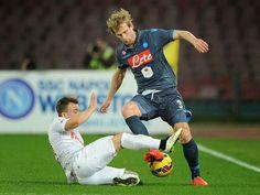 Menurunnya Performa Dari Skuad Napoli - Napoli mempunyai sederet pemain dengan tingkat kefokusan