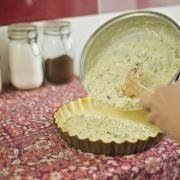 tarta de cebolla y puerro 08 Latin American Food, Food And Drink, Healthy Recipes, Anna Olson, Cooking, American Recipes, Ethnic Recipes, Tortilla, Calzone