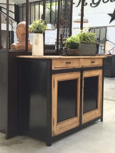 meble Industrial buffet riveted around 1960 Selecting Furniture Furniture Makeover, Cool Furniture, Painted Furniture, Dining Room Paint, Coffee And End Tables, Best Kitchen Designs, Furniture Restoration, Cabinet Doors, Cabinet Drawers