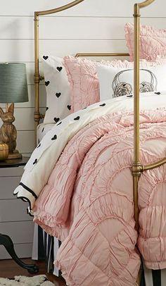 The Emily + Meritt Parisian Petticoat Quilt + Sham