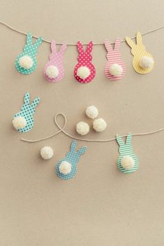 Easter Garland with Bunnies in a Few Easy Steps! - DIY Candy-Easter Garland with Bunnies in a Few Easy Steps! – DIY Candy This colorful Easter garland is so easy to make with scrapbook paper and yarn! Both kids and adults will love making this together. Easy Diy Crafts, Diy Craft Projects, Craft Ideas, Simple Crafts, Decor Ideas, Diy Simple, Fun Diy, Decorating Ideas, Spring Crafts