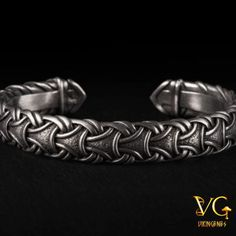This beautiful hand-crafted Viking bracelet depicts traditional Scandinavian Pattern. This bracelet will be designed uniquely for you. All our products are handmade by our master artists. Click to get details of this awesome bracelets. #vikingbracelet #vikingjewelry #handmadejewelry #handmadebracelet #metalbraclet #vikingenes Viking Bracelet, Viking Jewelry, Viking Arm Rings, Scandinavian Pattern, Boho Accessories, Bracelet Designs, Modern Jewelry, Fashion Jewelry, Men's Fashion