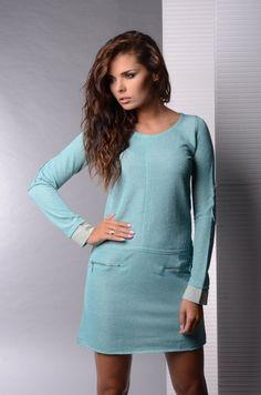 Rochie moderna, de culoare bleu - Rochie moderna, de culoare bleu. Are maneci lungi, decolteu rotund si fermoare in partea din fata. Este confortabila si se potriveste tinutelor casual. Colectia Rochii casual de la  www.rochii-ieftine.net Blouse, Long Sleeve, Modern, Sleeves, Tops, Dresses, Fashion, Vestidos, Moda