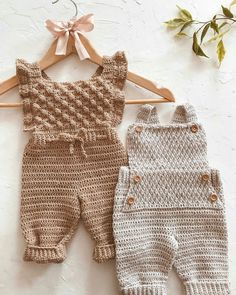 Crochet Baby Sweaters, Knitted Baby Clothes, Crochet Clothes, Crochet Bebe, Love Crochet, Knit Crochet, Knitting Yarn, Baby Knitting, Crochet Designs
