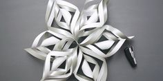 Video tutorial for making a paper snowflake