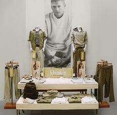 Gap Visual Merchandising for all US and Canada stores. Propaganda Visual, Symmetrical Balance, Store Displays, Retail Design, Visual Merchandising, Design Boards, Shop Windows, Inspiration, Canada