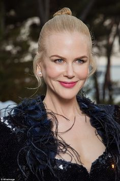 Nicole Kidman shows off her ageless complexion in Cannes at amfAR