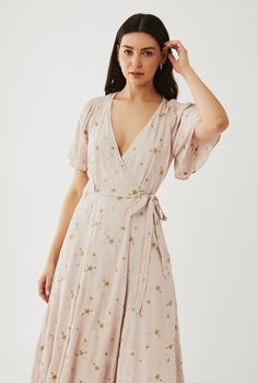 Strappy Heels, Dusty Pink, Wrap Style, Wrap Dress, Fashion Dresses, Fashion Show Dresses, Trendy Dresses, Stylish Dresses, Dusty Rose