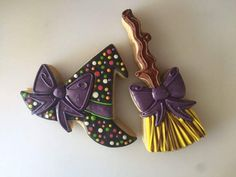 Items similar to Miss Doughmestic's witch broom on Etsy Miss Doughmestic's witch broom от TheCookieBoxCCS на Etsy Fall Cookies, Iced Cookies, Cut Out Cookies, Christmas Cookies, Sugar Cookies, Halloween Cookies Decorated, Halloween Cupcakes, Halloween Treats, Decorated Cookies