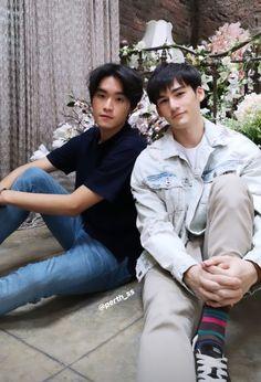 Asian Boys, Asian Men, Perth, Otp, I Am An Engineer, Cute Gay Couples, Thai Drama, Boyfriend Material, Diversity