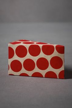 cake-to-go boxes in my favorite polka dots!