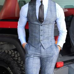 ḹ₥קᎧƧƨῗɓŁḕ A Well Dressed Man: Shirts – Jonathan Alonso Webpage : www. Mens Fashion Suits, Mens Suits, Fashion Vest, Gilet Costume, Designer Suits For Men, Vest Outfits, Well Dressed Men, Suit And Tie, Gentleman Style