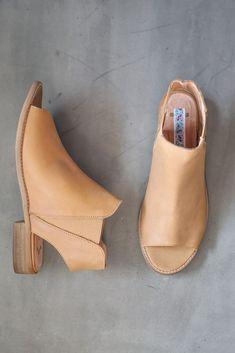 2e320556718c53 The Spring Sierra Pull On Sandal in Caramel Peep Toe Flats