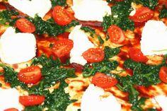 Jolinas Welt: Pizza mit Ziegenkäse, Blattspinat und Honigsoße
