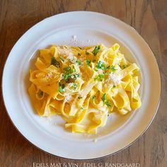 Edels Mat & Vin: Pasta Alfredo ♫♪ Pasta Alfredo, Macaroni And Cheese, Ethnic Recipes, Food, Mac And Cheese, Essen, Meals, Yemek, Eten