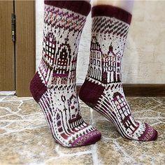 CityCity/CityCity socks by vikkyzm on Ravelry. Fair Isle Knitting, Knitting Socks, Knit Socks, Hand Knitting, Knitted Hats, Knitting Patterns, Knitting Projects, Crochet Socks Pattern, Knit Crochet