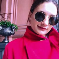 👄 Looks Instagram, Instagram Posts, Round Sunglasses, Sunglasses Women, Photo And Video, Fashion, Moda, Round Frame Sunglasses, Fashion Styles