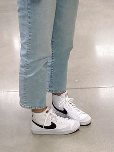 Dr Shoes, Swag Shoes, Hype Shoes, Me Too Shoes, Shoes Sneakers, Jordan Shoes Girls, Girls Shoes, Shoes Women, Nike Blazer Outfit