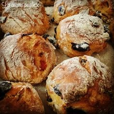 Pain Aux Olives, Focaccia Pizza, Bread Recipes, Cooking Recipes, Rustic Bread, Our Daily Bread, Vegan Pizza, Snacks, Bread Baking