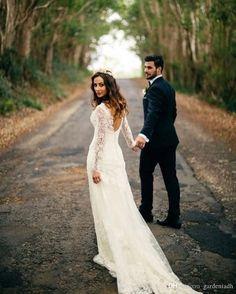 Via @tulleandchantilly  #weddingtime#bridesmaids #bride#groom#engaged#justmarried##weddingphotographer #groom #bride #engaged #love #photography #wedding #bride2be #groomtobe  #bestfriends #picoftheday #sijabra #norway #weddinginspo #weddingplanner #weddingstyle #engagedlife #future#engaged#inspiration#weddingtime#wedding#photooftheday#married #justmarried#love#marryme#spring#photographyeveryday#love#beautiful http://gelinshop.com/ipost/1520941864927395775/?code=BUbeJFfBH-_